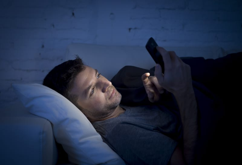 Texting at Night Affects Teens' Sleep, Academic Performance