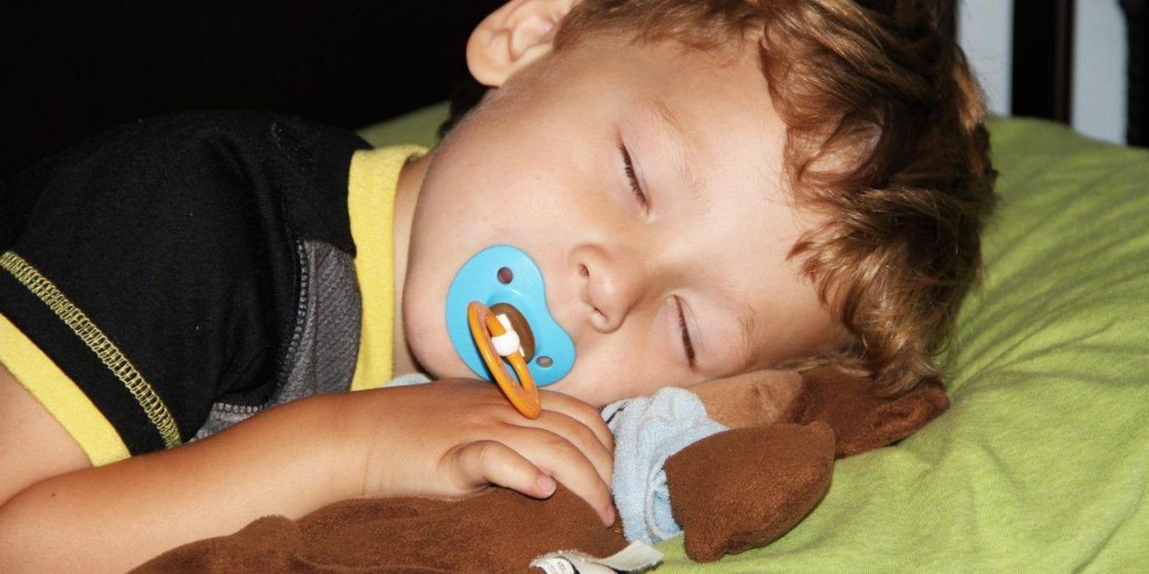 Early Preschool Bedtimes Cut Risk of Obesity Later On