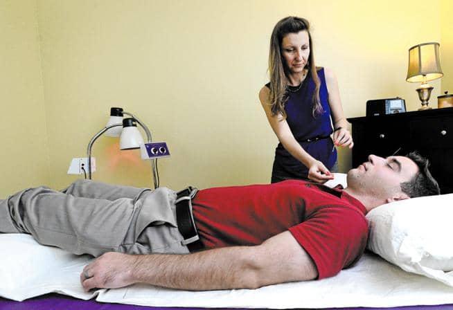 Acupuncturist Treats Insomnia in New Boulder Sleep Center