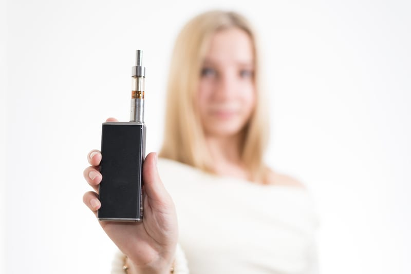 Traditional and Electronic Cigarettes Linked to Poor Sleep