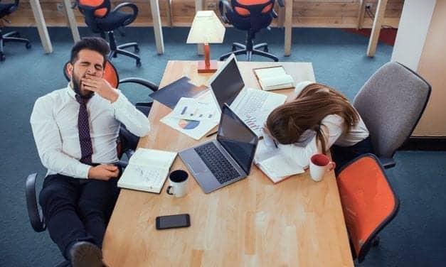 We Lose 30 Minutes of Sleep Each Night of the Work Week, Study Shows